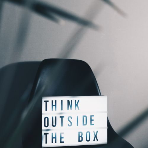 Think outside the Box : Zukunftsdenken